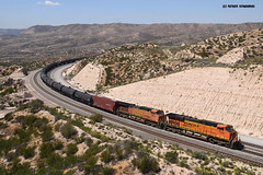7299 BNSF (GE ES44DC ) (vsoe) Tags: california railroad usa america gm eisenbahn railway unionpacific amerika bahn bnsf kalifornien freighttrain zge gterzug emd cajonpass gterzugstrecke