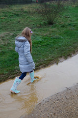 The long puddle of doom (Snoop Baggie Bag) Tags: wellies newyearsday 2016 bedfontlakes muddypuddles éowyn