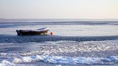 Turawa lake (radimersky) Tags: winter panorama lake ice water skyline landscape boat frozen europa europe day sony horizon gimp poland polska sunny explore camer zima dzie woda compact ld widok dka jezioro horyzont krajobraz cybershor 3840x2160 sonecznie turawa turawskie zamarznite dschx90