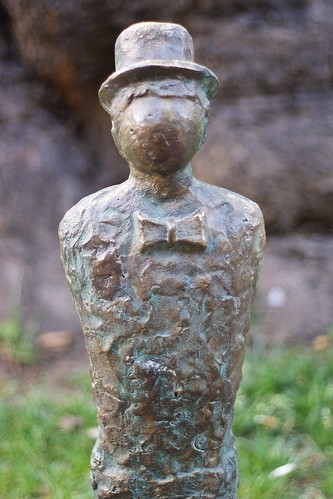 Rustaveli Statues
