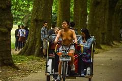 The Cycle Rickshaw (Le monde d'aujourd'hui) Tags: london cab transport cycle hydepark rickshaw pedicab 8000 cyclerickshaw 2015 worldnakedbikeride wnbr