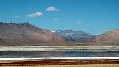 Salt lake Tso Kar !! (Lopamudra !) Tags: lopamudra lopamudrabarman lopa ladakh india jk tso tsokar rupshu rupsu valley lake lakes startsapuktso startsapuk loch landscape landscapes salty saltlake salt saline himalaya highaltitude himalayas highaltitudelake highland tibet water waterscape mountain mountains peace wildlife beauty moreplains