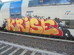 009 (en-ri) Tags: krise nero giallo rosso train torino graffiti writing