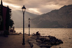 Cassone at sunset - Lago di Garda Serie VI (And Hei) Tags: cassone malcesine lagodigarda lake garda gardasee water sunset sundown d3300 nikon italien italy