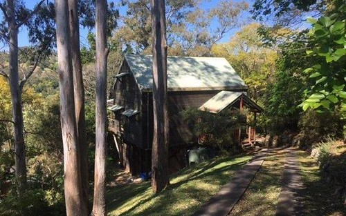 19 Robinson Ave, Girards Hill NSW 2480