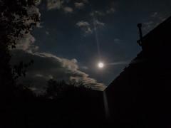Full moon (Elise Swart) Tags: fr france frankrijk ldf lafrance avond campagne cloud clouds country evening hemellichaam house houseswoning huis huizen maan night platteland soir vollemaan wolk wolken woningen