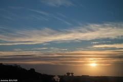 Le soleil se lve (antoinebouyer) Tags: soleil lever ciel sky cloud nuage bleu