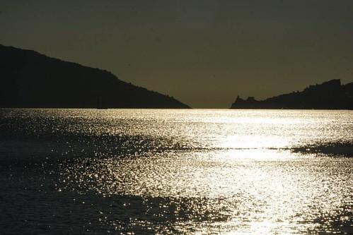 #sunset #igerslaspezia #igersliguria #igersitalia #volgolaspezia #volgoliguria #volgoitalia #ig_liguria #ig_italy #perlestradedellaliguria #perlestradeditalia #italia360gradi #italiainunoscatto #bestliguriapics #bestitaliapics #loves_mediterraneo #loves_l