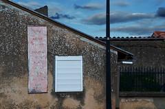 (Jean-Luc Lopoldi) Tags: lugubre ferm volet vieuxmur crpuscule effac ciel