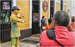 El Fotgrafo (The Photographer) (SamyColor) Tags: campechadas canon20d canoneos28105usm sanjuan oldsanjuan viejosanjuan puertorico color colores colori colorido colors colours