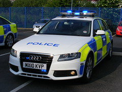 5124 - GMP - MX10 KVP - DSCF4172 (Call the Cops 999) Tags: uk gb united kingdom great britain england north west 999 112 emergency service vehicle vehicles gmp greater manchester police 101 law enforcement constabulary rpu road policing unit traffic chadderton audi a4 estate quattro mx10 kvp battenburg led lightbar