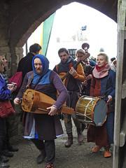 Ludlow Christmas Medieval Fayre 26 November 2016 (Cold War Warrior) Tags: ludlow christmasfayre christmas xmas stnicholas hurdygurdy bagpipes mandolin drum tabor medievalfayre