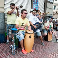 Buenos_Aires_5_Flohmarkt_am_Sonntag_-86.jpg (Fitz_Carraldo) Tags: people buenosaires buenos aires menschen tango fleamarket flohmarkt argentinien ciudadautónomadebuenosaires fitzaroundtheword