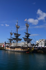 l'hermione a quai sous le soleil (menez.gilles) Tags: lafayette ship bretagne brest bateau quai hermione finistere fregate