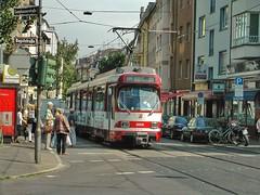 GT8S 3059 der Dsseldorfer Rheinbahn auf der Linie 704 im Juni 2003 an der Haltestelle Rochusmarkt in Dsseldorf (Haeppi) Tags: tram streetcar pnv tranva nahverkehr rheinbahn dwag gt8s strasenbahn dp