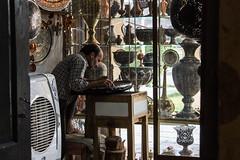 Isfahan - Bazar (Domenico Be) Tags: iran streetphotography persia bazar isfahan imamsquare khajubridge canoneos1100d