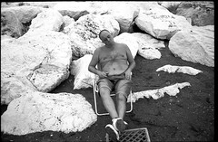 (zZz) (Robbie McIntosh) Tags: leica blackandwhite bw man film beach monochrome analog 35mm fuji sleep candid 28mm shoreline strangers streetphotography rangefinder bn negative neopan 100 mp analogue biancoenero argentique acros dyi selfdeveloped pellicola elmarit analogico leicamp fujineopanacros leicam filmisnotdead autaut hc110dile lidomappatella leicaelmarit28mmf28iii mappatellabeach kodakhc110dile elmarit28mmf28iii