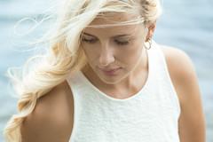 (evelavoiephotographies) Tags: summer portrait sun girl face canon 50mm women couleurs femme blond beauté figure blonde belle jolie fille plage ete visage chaleur protraiture canon6d