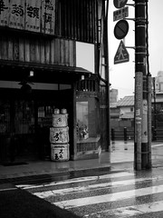 Lonely Sake, Takayama, Japan (camilleduponteil) Tags: street travel bw japan shop ball lumix japanese blackwhite asia rice wine barrel sake alcohol brewery cedar rue takayama japon brasserie boule hida baril sugidama  tonneau cdre sakadaru gx1   komodaru