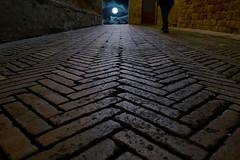 Passeggiando (Enzo Ghignoni) Tags: luna vicolo mattoni strada notte cielo nuvole