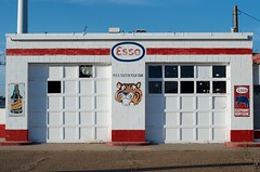 Esso si que es, that's what it is (dangr.dave) Tags: tucumcari nm newmexico route66 downtown historic architecture quaycounty esso gasstation tiger