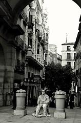 Madrid (Eliazar Torre) Tags: callejeandoenmadrid madrid espaa spain blackandwhite blancoynegro ciudad city plazamayordemadrid plazamayor