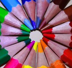 Multicolor (J.Gargallo) Tags: colores arcoiris lapices pencils pencil multicolor circulo canon canon450d eos eos450d 450d castelln comunidadvalenciana espaa spain tokina tokina100mmf28atxprod macro macrofotografa