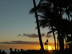 Sunset (sometimesong) Tags: sometimesong 2016 hawaii oahu waikiki waikikibeach usa sunset beach sky honolulu ocean pacificocean