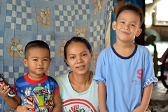mother with son and friend (the foreign photographer - ) Tags: aug222015nikon mother son friend khlong lard phrao portraits bangkhen bangkok thailand nikon d4300