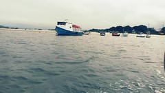 Navegando... (JF. Pasturczak) Tags: ilhadomel barco praia beach paran brasil