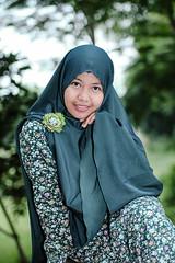 zenitar-7126 (micro2ko) Tags: zenitar zenitarm50mmf17 zenitarm kmz portlait fujifilmxe2 fujifilm fuji manuallens manualfocus lensamanual rusianlens bokeh green hijab model smile