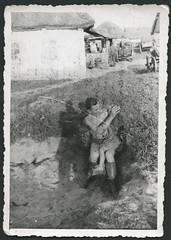 Archiv C080 Auf dem Balkanfeldzug, 1940er (Hans-Michael Tappen) Tags: dorf outdoor thirdreich wwii landwirtschaft waist thatch mdchen soldat wehrmacht strohdach nazigermany drittesreich fotorahmen balkanfeldzug archivhansmichaeltappen