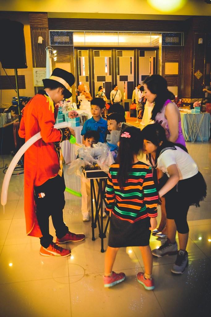 【魔術師法拉利】婚禮魔術/魔術表演 / 大型魔術演出 / 婚禮表演 / 魔術師推薦 / 魔術師價位