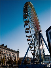 La roue Lyonnaise (nobru2607) Tags: lyon 28mm streetphotography ricoh grd3 grdiii