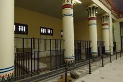 54 - 2015 12 26 - Renovatie Egyptische Tempel (zebrastallen)