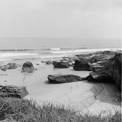 Overcast (davidgarciadorado) Tags: sea cantabric beach waves overcast rocks galicia spain tmax rolleiflex zeiss planar