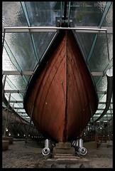 Below the Waterline (zweiblumen) Tags: ssgreatbritain brunel ship bristol england uk museum hull waterline canoneos50d canonspeedlite430exii lumiquestpocketbouncer zweiblumen