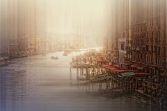 Performing Gran Canal (Zu Sanchez) Tags: italia italy impresionismodigital desenfoque desenfoquedemovimiento zusanchezphotography zusanchez zsnchez canon canoneos1000d canoneos venice venecia venedig venesi veneti venezia veneto veneza venessia