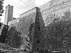 wall (archgionni) Tags: black white mattoni bricks muro wall fortezza medioevo middlesage architettura architecture torre towers storia history antichità lanciano abruzzi italia italy christiangroup
