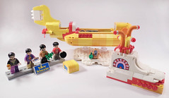 11-LEGO Ideas 21306 - Yellow Submarine (Sweeney Todd, the Lego) Tags: lego ringo john paul george beatles the submarine yellow minifigure minifigures accessories box review photography