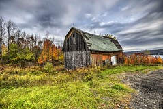 Autumn Barn (maryshelsby) Tags: usa fingerlakes newyork barn autumn fallfoliage trees sky clouds farm