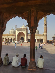 Mosque (davidnofish) Tags: india delhi mosque largest jama masjid indiaholiday arch dome minaret samsung galaxy 7