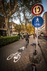 a piedi o in bici (D@niel&) Tags: pista ciclabile pedonaòe via libertà palermo sicila sicilia italia incredibile danielelivolsi d800 samyang 14mm