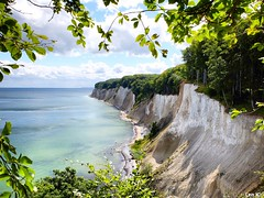 White chalk cliffs in Ruegen Island (Len K.) Tags: cliffs ruegen island germany deutschland picture baltic sea see landscape