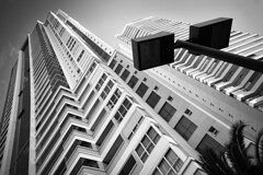 Maison Heritage / Londrina (marcelo.guerra.fotos) Tags: glebapalhano blackandwhite blancoynegro blackwhite black noiretblanc noirblanc londrina paran brasil brazil architecture architectonics architect arquitetura