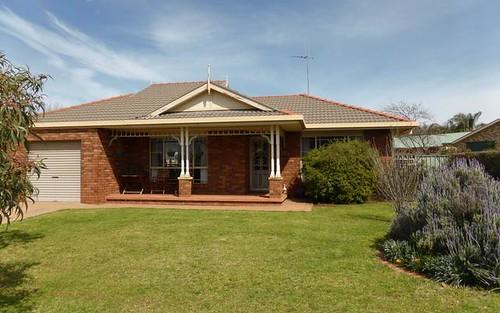 6 Cobden Place, Parkes NSW 2870