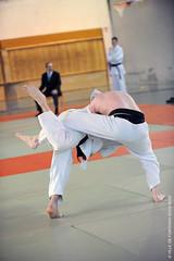 Jeu de jambes (Fontenay-sous-Bois - Officiel) Tags: fontenay fontenaysousbois regionparisienne valdemarne iledefrance 94 94120 judo france tatami kimono inside intérieur jambes pieds legs foot feet