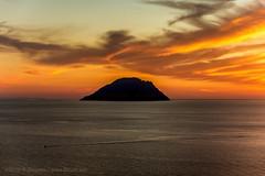 Tramonto guardando Alicudi. (CyboRoZ) Tags: filicudi alicudi siccagni sicilia sicily island isola twilight eolie aeolian aeolianislands filicudiisland orange