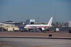 Honeywell International 757 in PHX (craigsanders429) Tags: jets boeing757 jetliners phoenixskyharborairport honeywellinternational