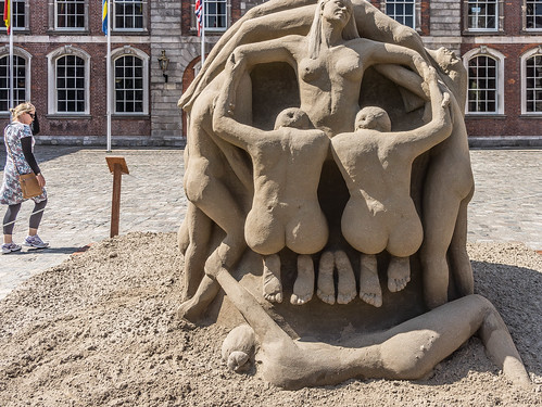 SAND SCULPTURES AT DUBLIN CASTLE [EMOTIONAL STATES] REF-107055